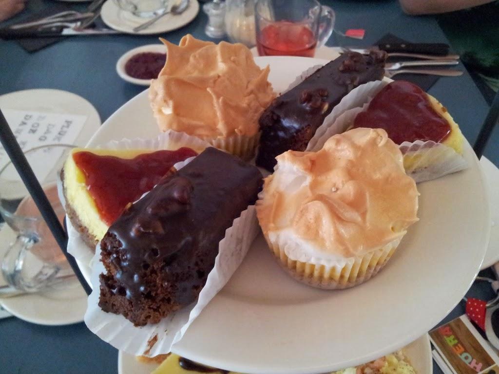 high tea roosendaal cheesecake brownie muffin