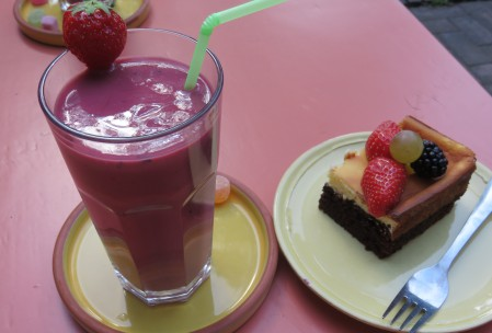 frambozensmoothie tumtum brownie lemon stilleven